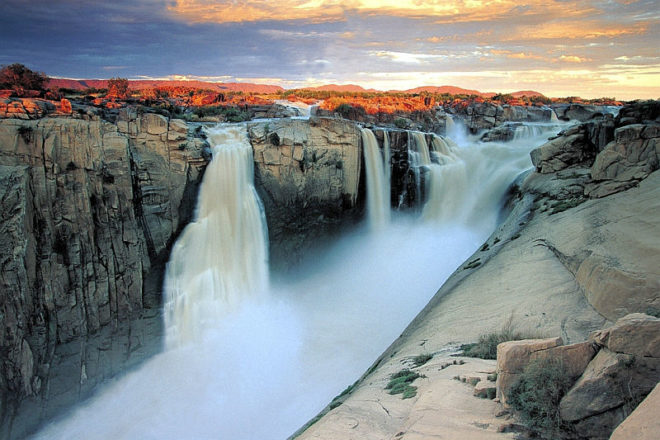 augrabies-falls-in-full-flood-sanparks-augrabies